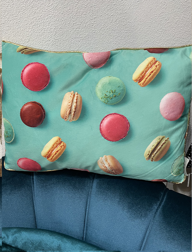 Kissen mit Macarons Print